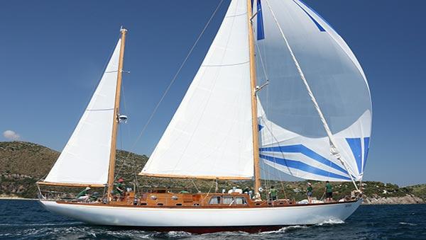 Segelyacht modern  Segelyacht Paulena chartern